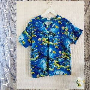 Peaches Reef Life Scrub Top L